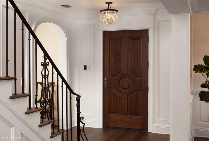 Traditional-entry-way-circle-design-4967