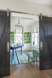 interior-barn-door-49812b