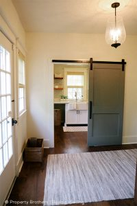 interior-barn-door-782